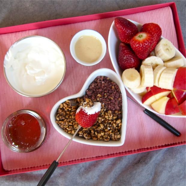 Der Hit fürs Feiertagsfrühstück: Müsli-Fondue!