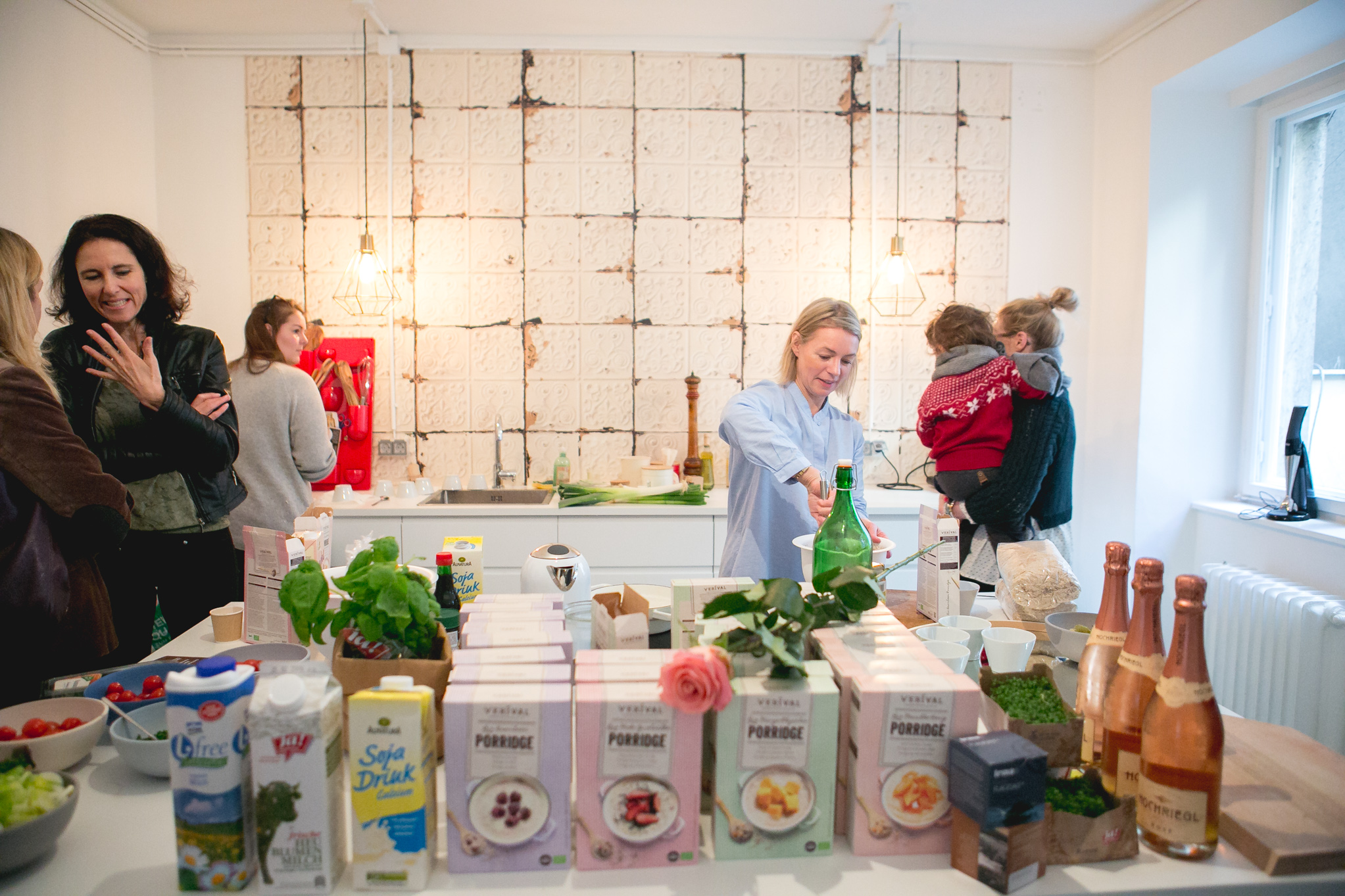 Die Verival Porridge-Küche im RoughCutStudio © Florence Stoiber