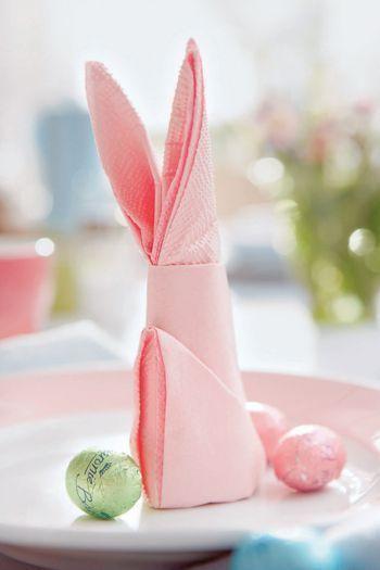 Bunny Napkin © Lushome.com via Pinterest