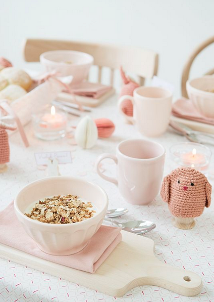 One colour theme from the muesli bowl to your fav egg cosy © dillekamille via Pinterest