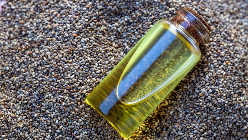 L'olio di semi di chia contiene importanti acidi grassi omega-3