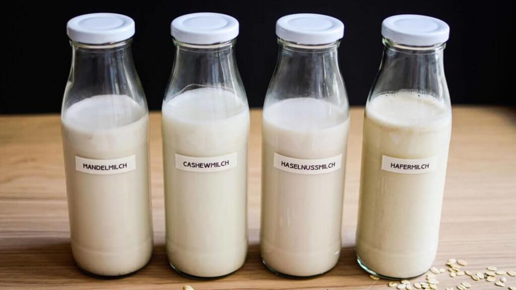 Overnight Porridge - utilisez le bon liquide, le lait d'amande, le lait de cajou, le lait de noisette, le lait d'avoine