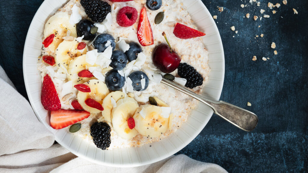 Obst Haferflocken zur Gewichtsreduktion