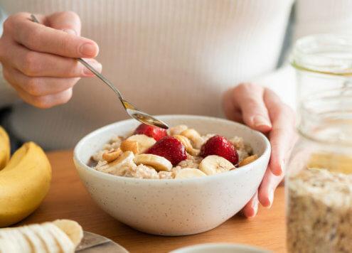gesundes Porridge Frühstück