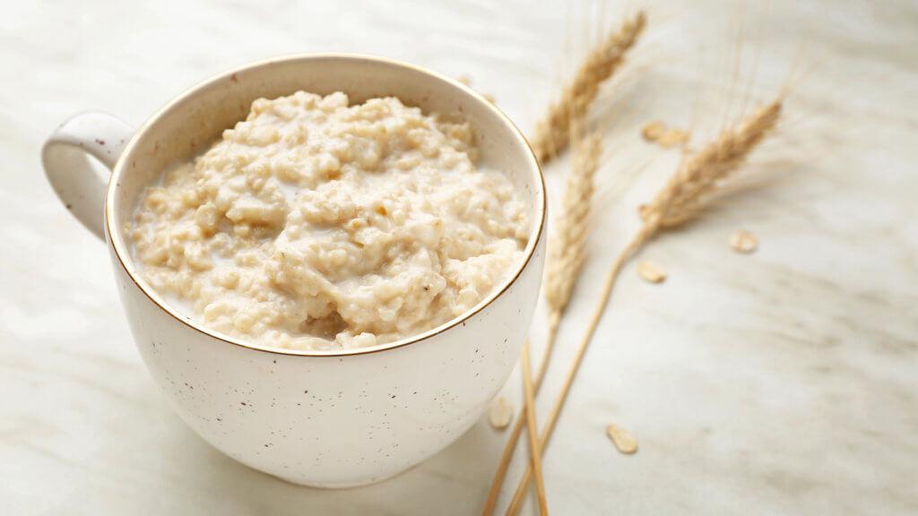 Porridge aus Haferflocken