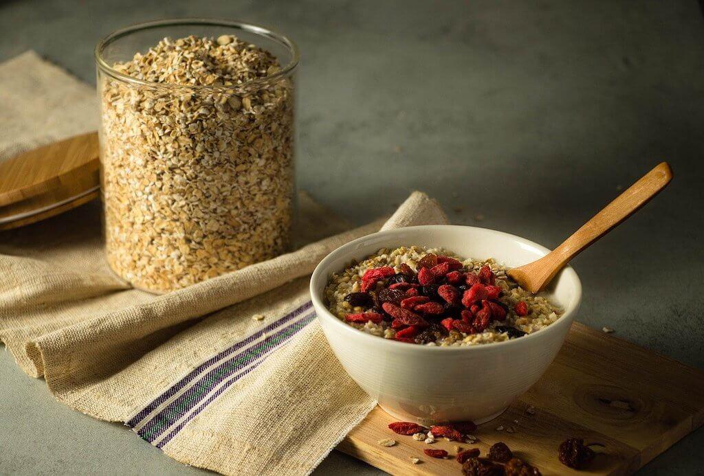 Le porridge aux flocons d'avoine