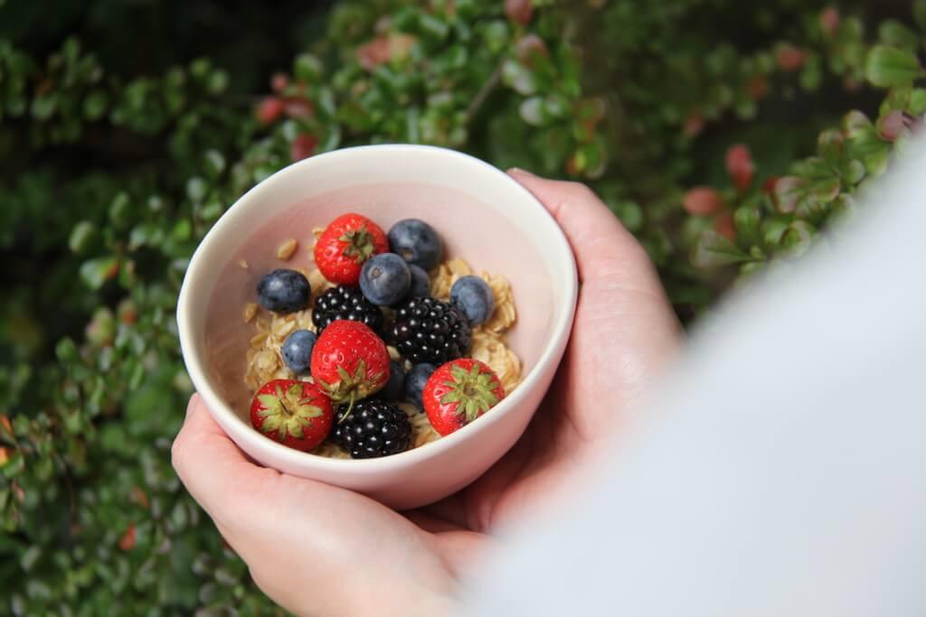 Le porridge comme petit-déjeuner estival