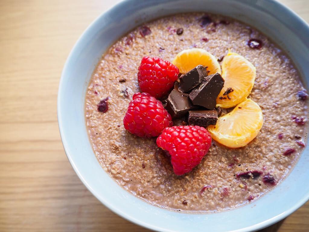 Il porridge è sano e satura a lungo