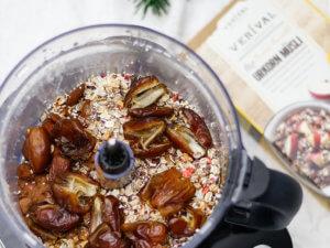 Weihnachtsrezept: Gefüllte Kakao-Dattel-Cookies