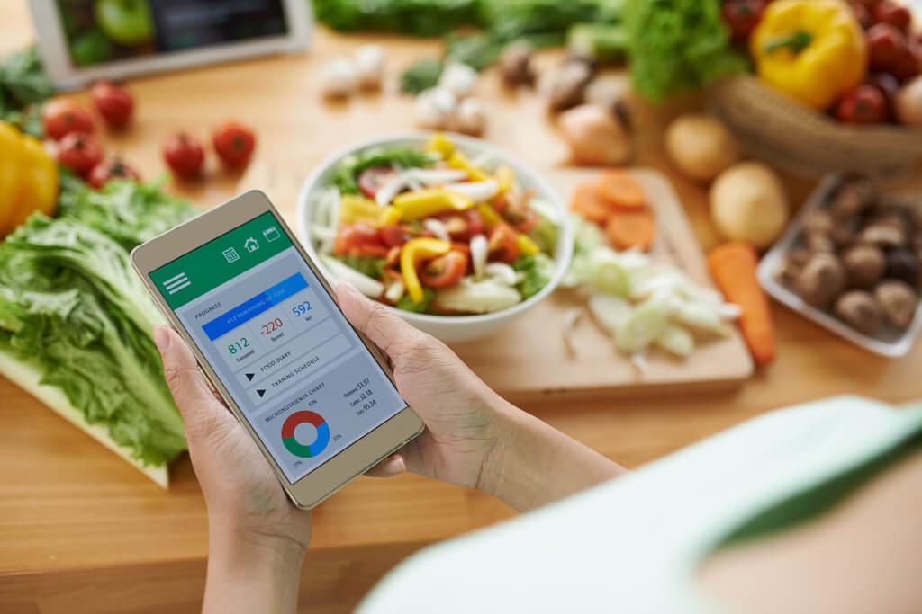 Tracking Apps bieten sich für eine Ernährungsanalyse an