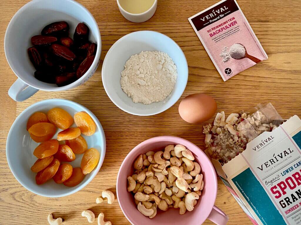 Ricetta Barrette di granola Ingredienti lampone mandorla cocco