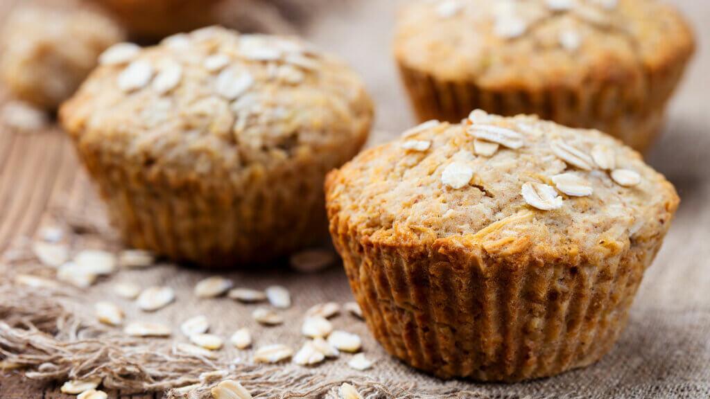 Muffins aus Haferflocken für Kinder zum Frühstück