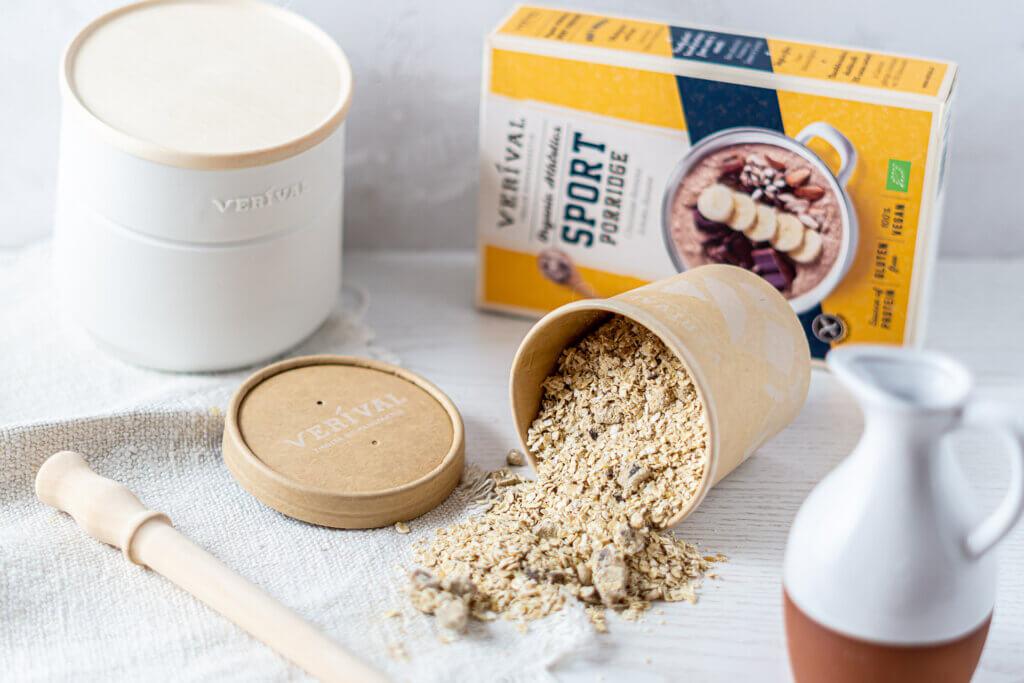 Porridge enthält komplexe Kohlenhydrate durch die Haferflocken