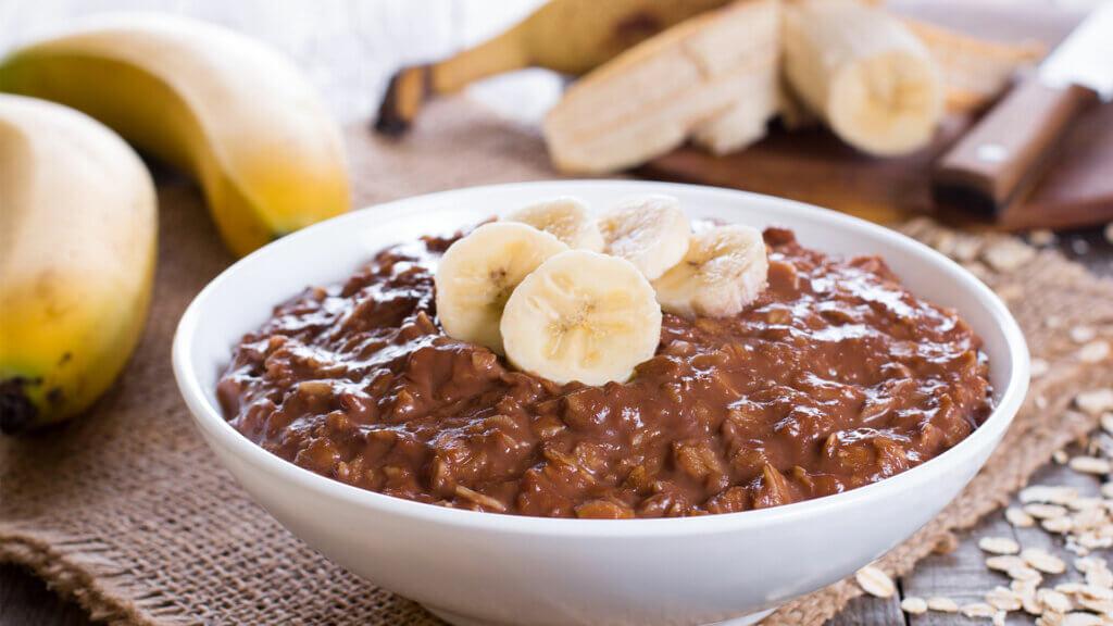 Ricetta di porridge alla banana e cacao biologico